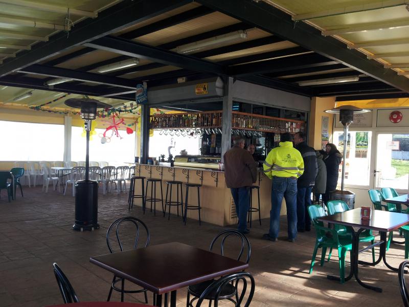 Bar kiosco de blas bares restaurantes y cafeter as for Kiosco bar madera